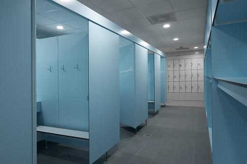 Herbokern sanitaire wanden Herbokern lockers zwembad