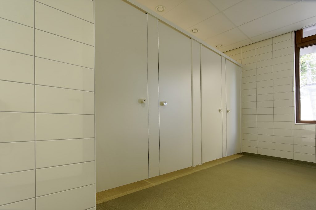 Hermeta HerboKern Secure sanitaire wanden softclose vrijhagend Fatima school Rotterdam