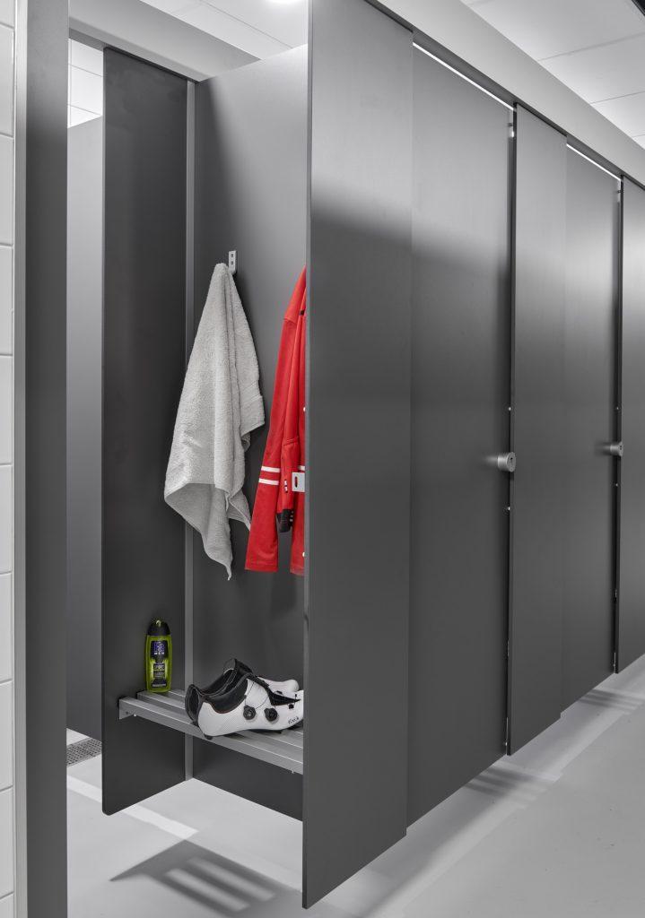 Hermeta Interieurbouw HerboKern Solid vrijhangend Pfleiderer haak 0111 zitbank aluminium spatscherm Givaudan